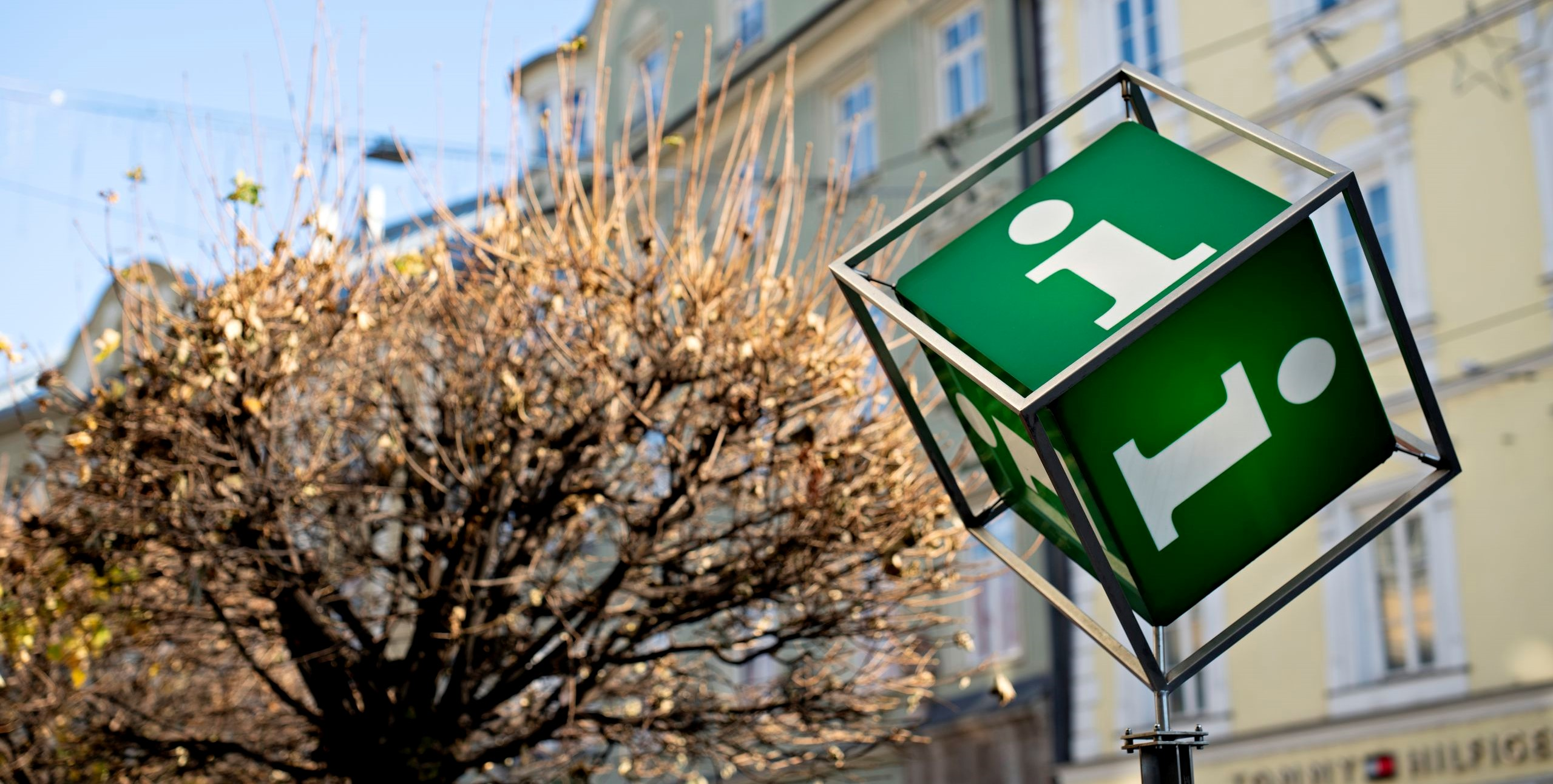 Info Würfel vor Innsbruck Information