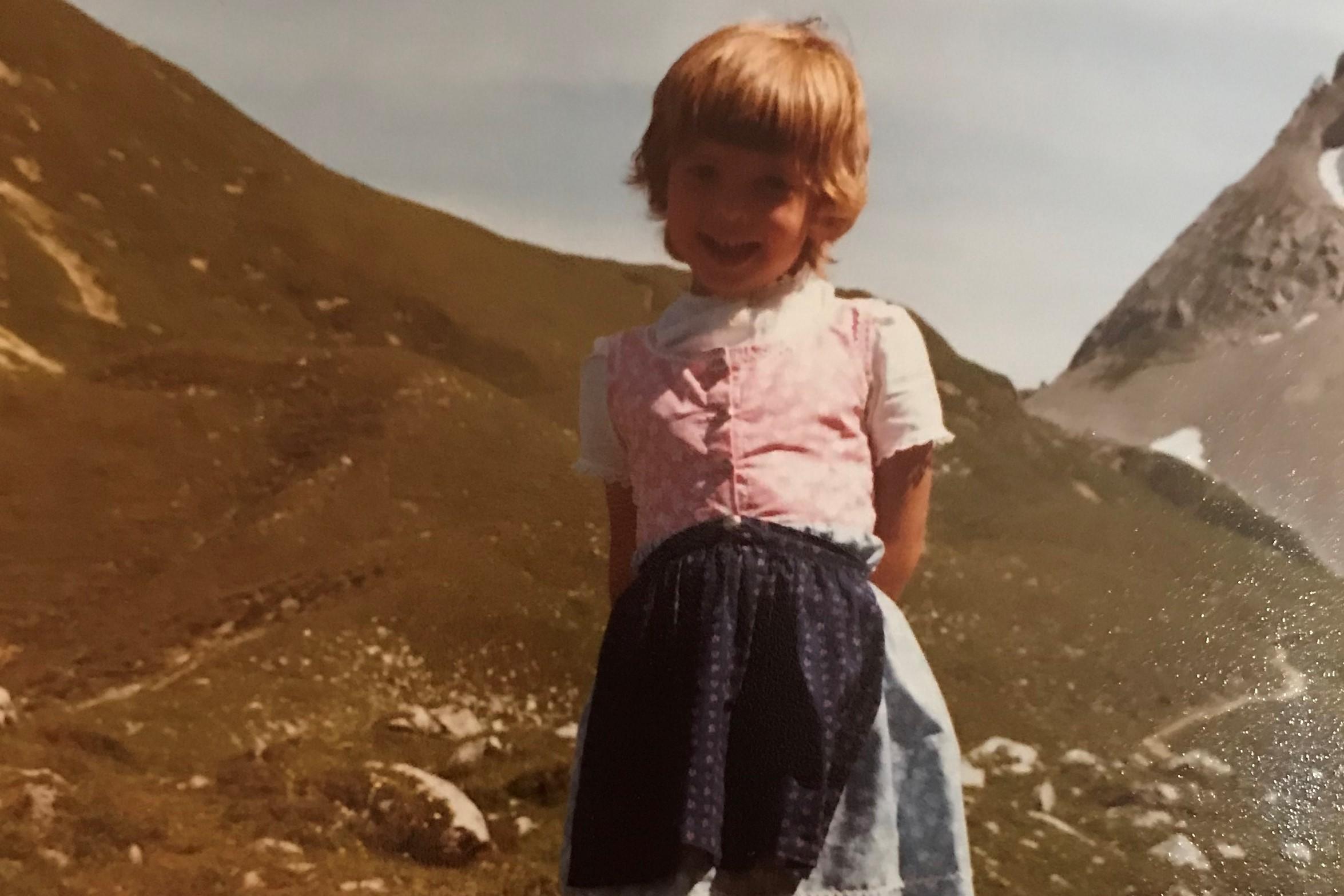 Claudia Pichler, Kind, Dirndl