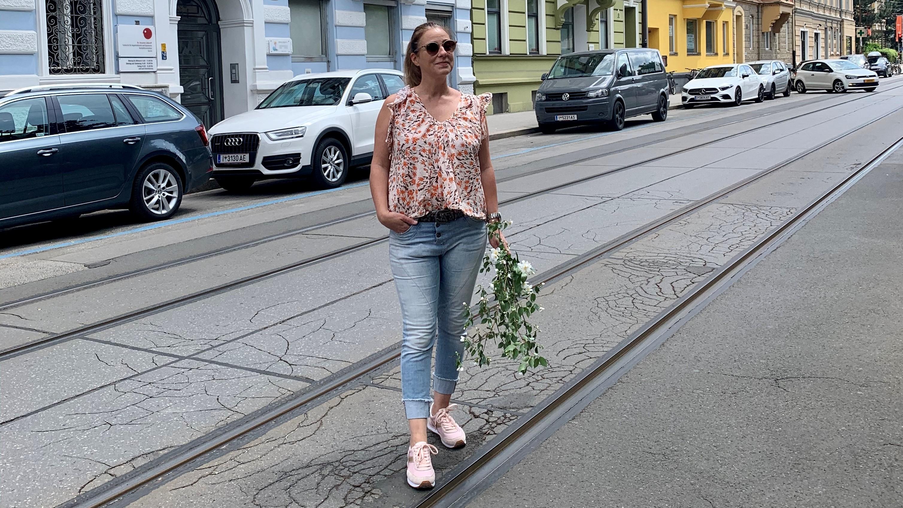 Veronika Handl, Stadt, Blumen