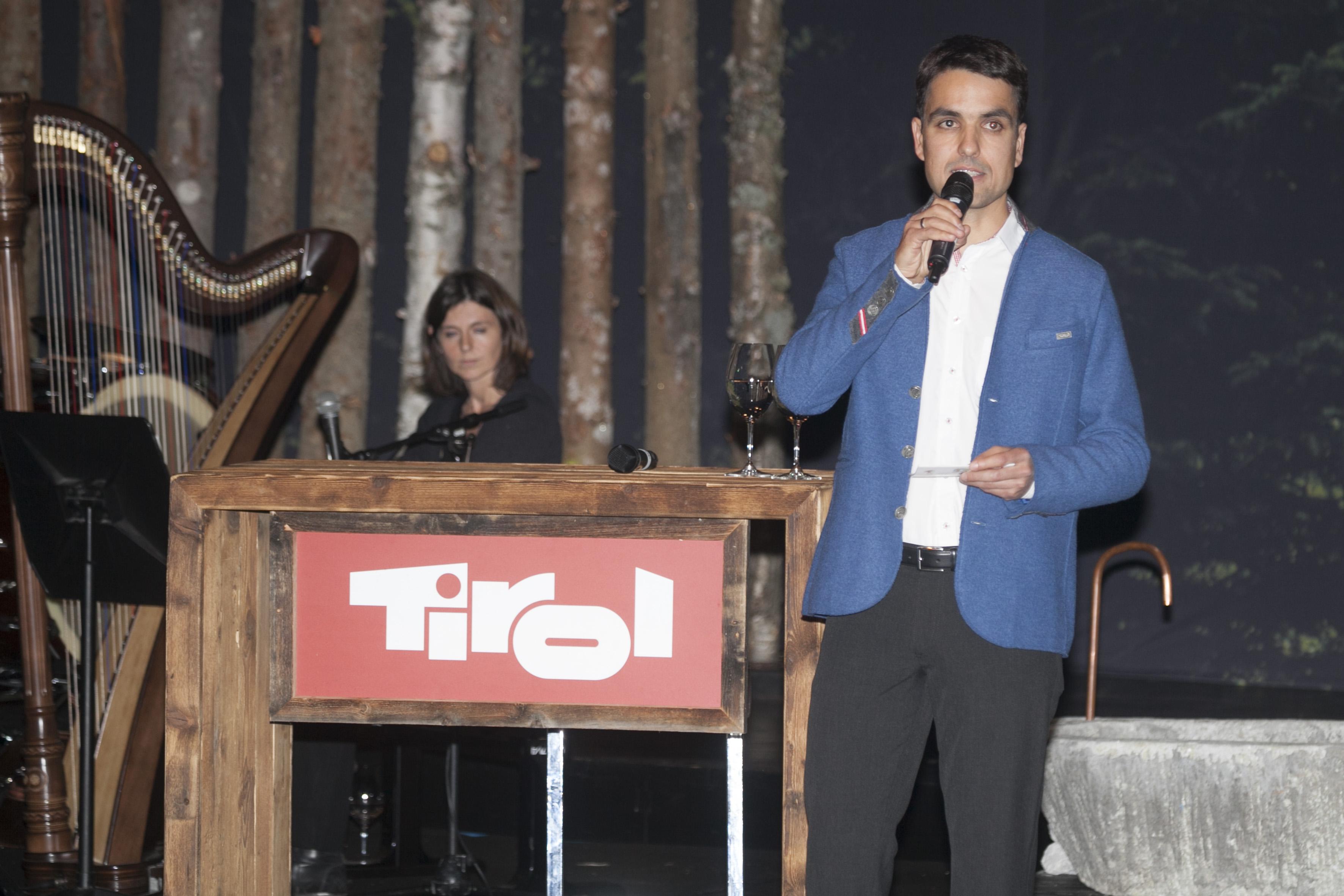 Florian Neuner, Moderation