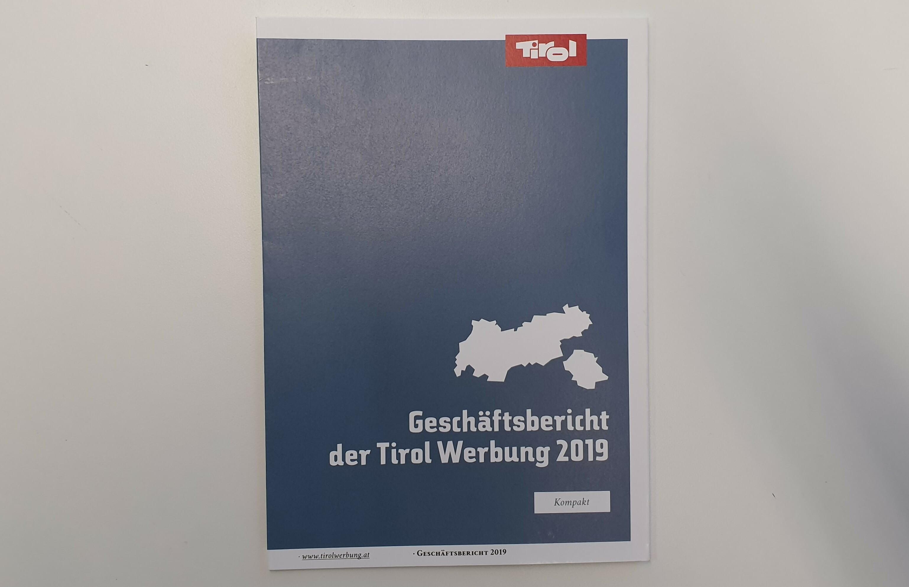 Cover Geschäftsbericht 2019