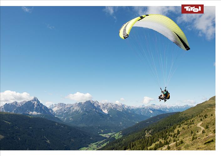 Poster Paragleiter im Pustertal, Osttirol