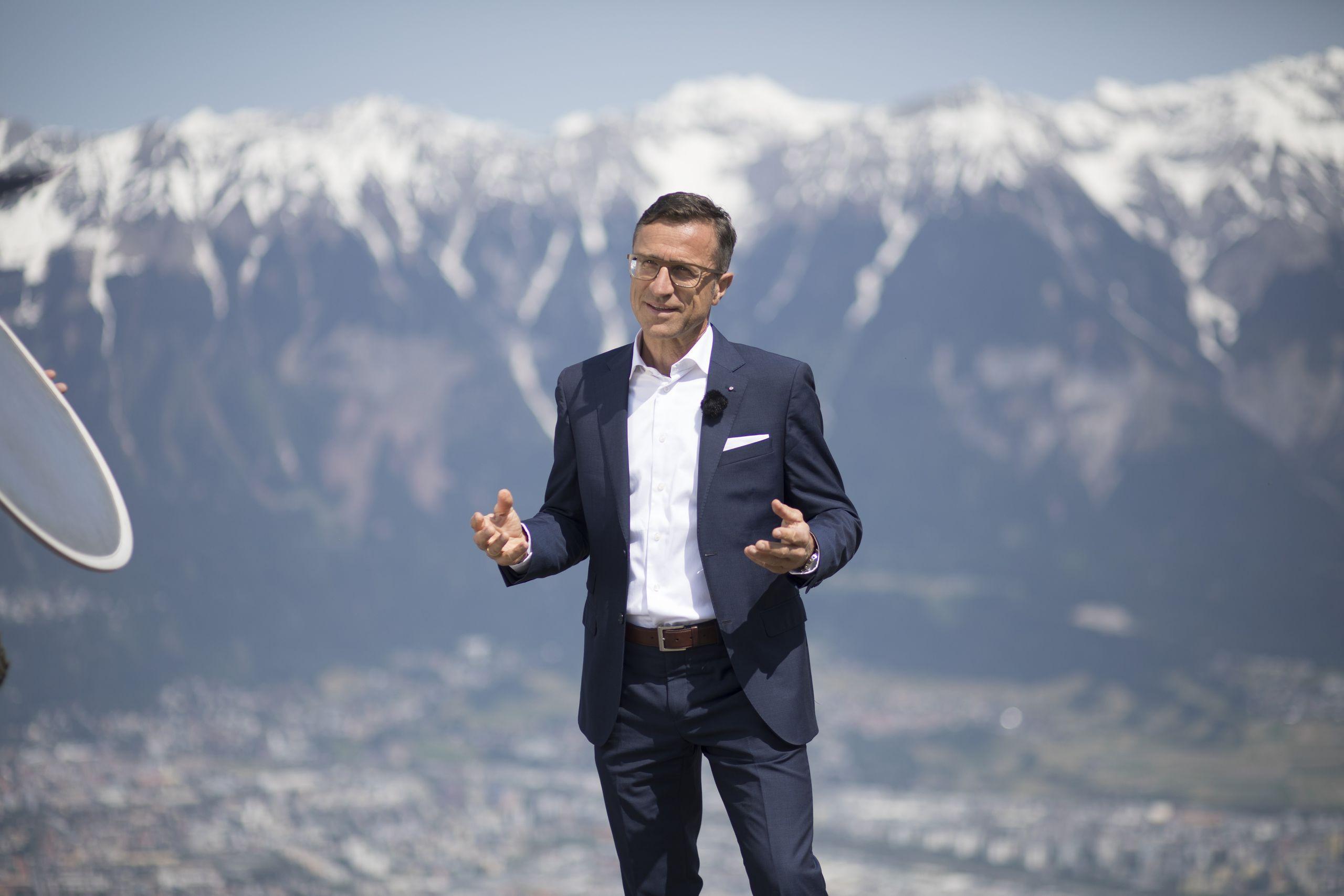 Josef Margreiter über den Dächern von Innsbruck